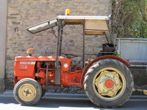 renault tractor