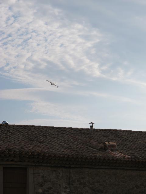 flying low over La Liviniere