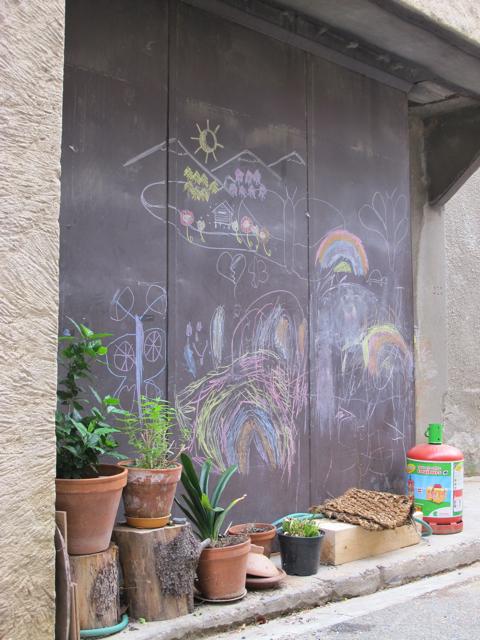chalk drawing in Felines