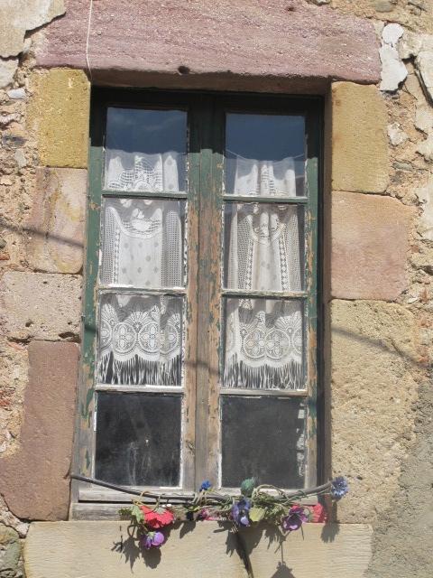 window in Saint Chinian